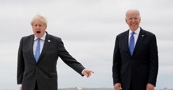 Джонсон иБайден договорились оботношении кРоссии