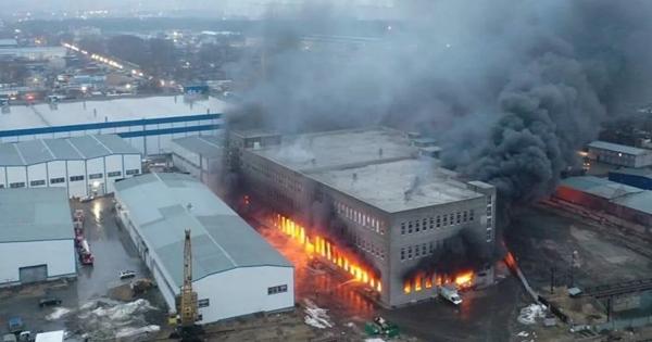 ВЛюберцах загорелись склады сбытовой химией