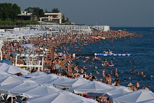 Переполненные пляжи Сочи вноябре попали навидео — Рамблер/путешествия
