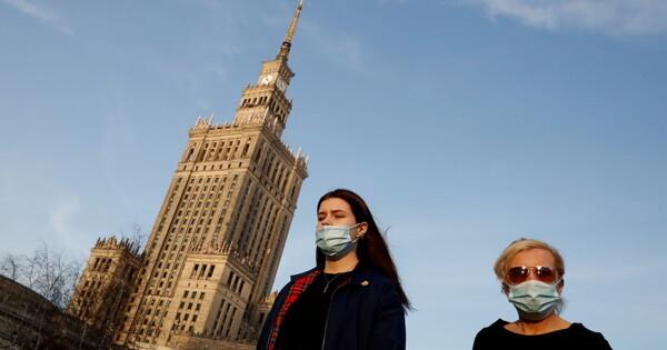 Польша начинает отмену части карантинных ограничений
