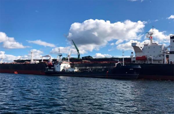 ВКольском заливе обнаружили утечку нефтепродуктов