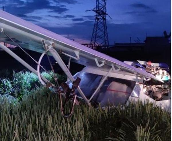 Один человек пострадал при жесткой посадке легкомоторного самолета вРостовской области