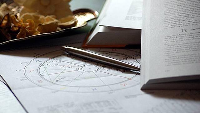 Астрологи назвали три знака китайского гороскопа, чья жизнь изменится в ноябре
