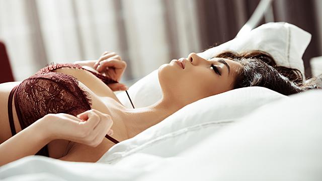 Пять самых чувственных в постели женщин по знаку зодиака