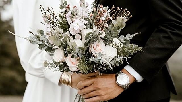 Экстрасенс назвала идеальные даты для свадьбы летом 2021 года