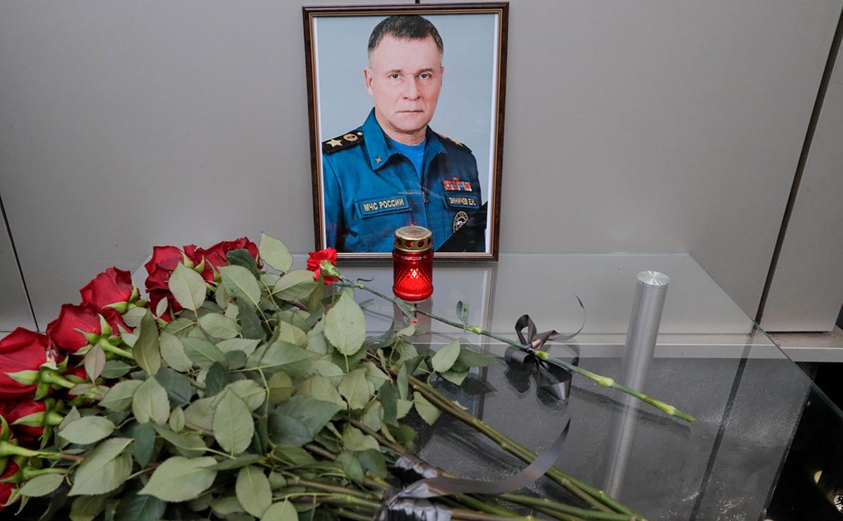 Главу МЧС Зиничева похоронили вПетербурге
