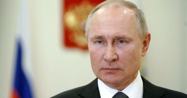 Путин наградил сотни медиков исотрудников Роспотребнадзора заборьбу спандемией