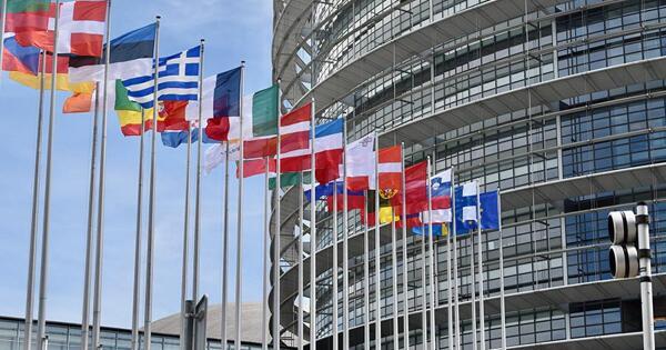 Европарламент принял резолюцию осертификатах длявакцинированных откоронавируса