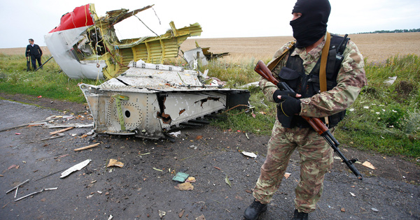 Вдело MH17 включили свидетельства впользу версии, чтоBoeing былсбит военным самолетом
