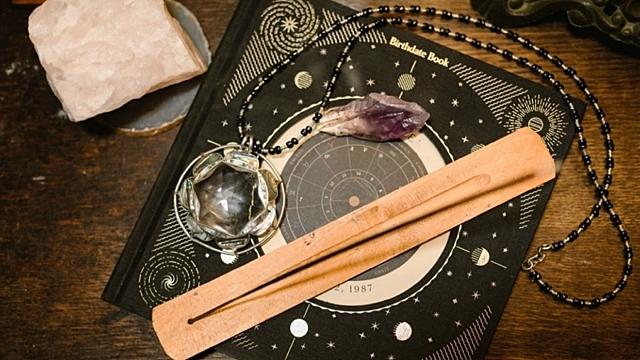 Астрологи назвали знаки зодиака, чьи гороскопы редко совпадают с реальностью