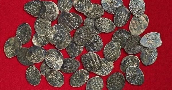 Археологи нашли клад монет конца XVIвека наПавелецкой площади