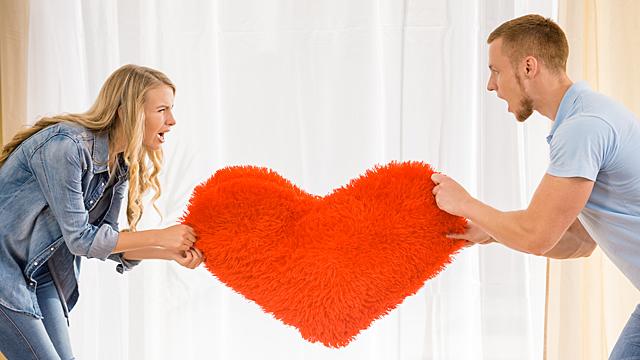 Испытания проверят отношения на прочность — любовный гороскоп на июнь