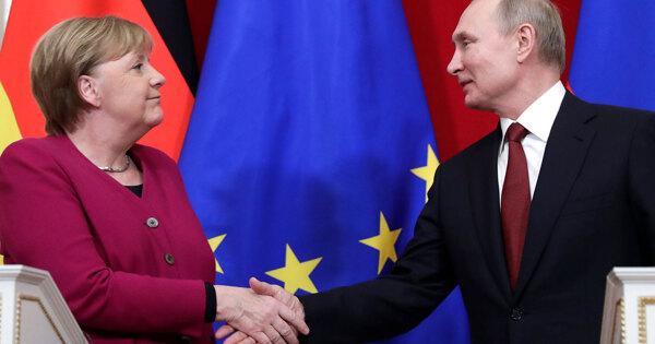 Путин позвонил Меркель