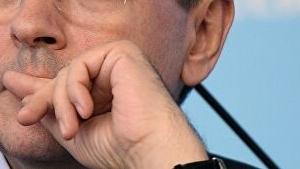 Катавшийся на велосипеде депутат Никонов сломал руку