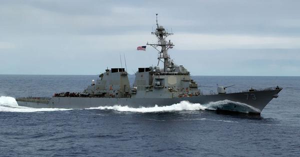 Американский эсминец вошел вЧерное море