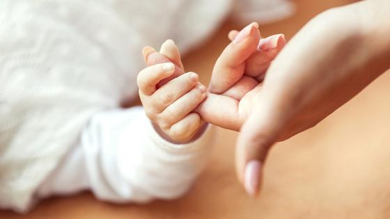 Ожидавшая двойню родила аномально гигантского ребенка