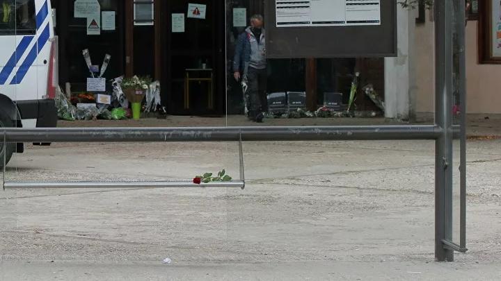 Стали известны подробности убийства учителя во Франции