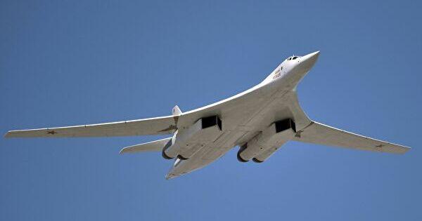 Опубликовано видео сопровождения Ту-160ВКСРФистребителями F-35иF-16