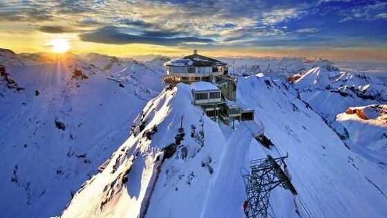 Альпы обрели кровавый оттенок: этому нашлось объяснение