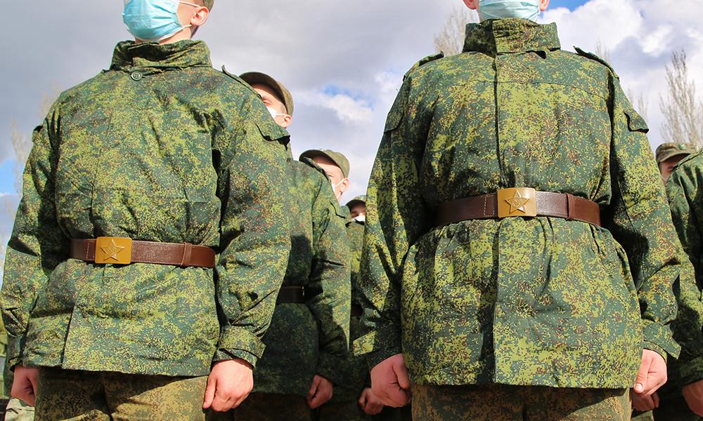 Отец расстрелявшего сослуживцев Шамсутдинова обвинил вгибели срочников наУрале военных