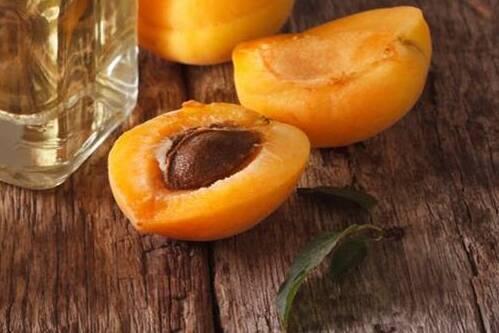 Ученые назвали фрукты, чьи косточки смертельно опасны