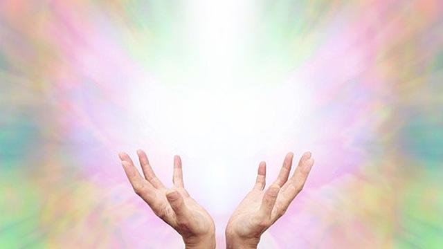 Как научиться лечить тело руками