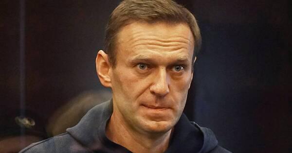 Челябинский соратник Навального сбежал вНидерланды