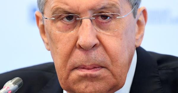 «Колоссальной важности факты утаиваются»: Лавров окрушении МН17