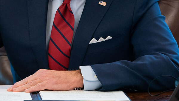 Байден на год продлил введенные Обамой санкции США против РФ