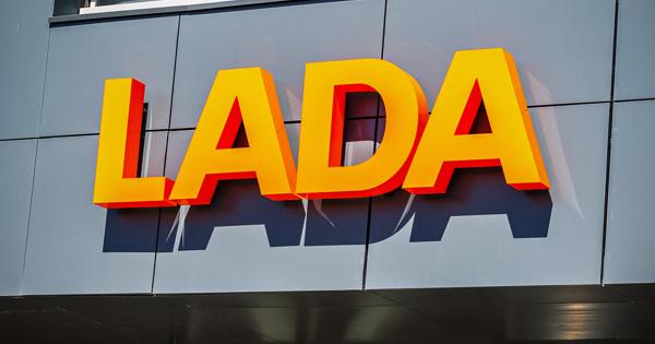 Продажи Lada в Европе пошли в рост после трех месяцев падения