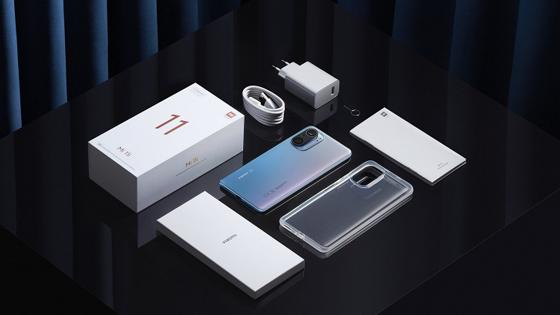 Xiaomi показала «микроскопное» фото смартфона Mi 11i