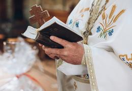 Священник рассказал, зачем людям даются болезни