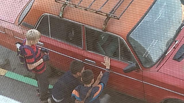 В Рязани детей застали за порчей чужих автомобилей