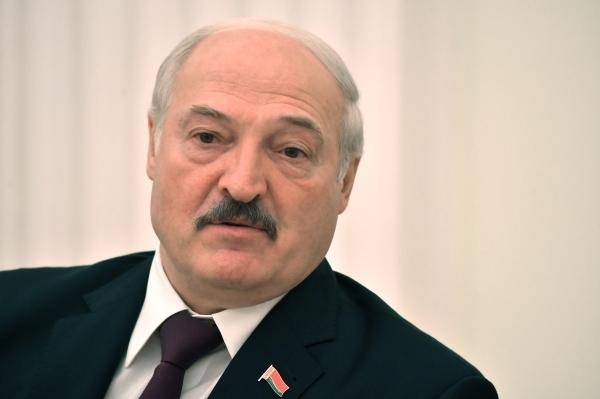 Лукашенко намерен помиловать 13человек