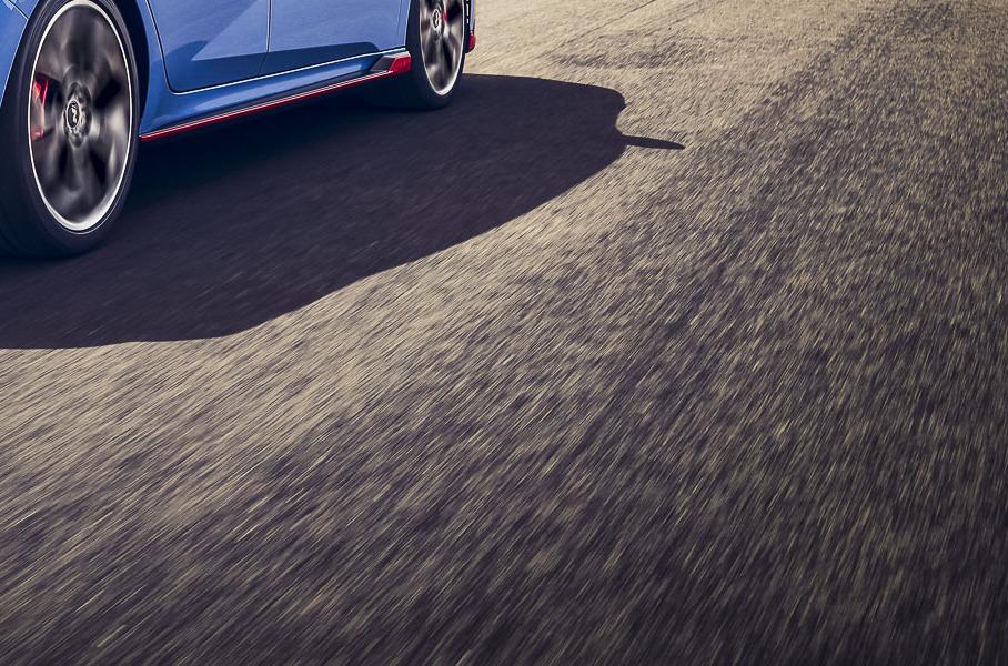 Спортседан Hyundai Elantra N и гибрид Aston Martin Valhalla: главное за неделю