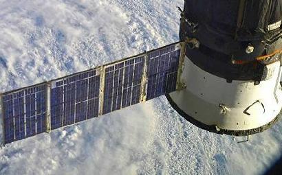 Корабль Маска вызвал ложный сигнал о пожаре на МКС