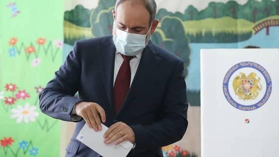Пашинян лидирует на выборах в Армении