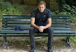 Таролог рассказал, что ждет Навального по возращении в Россию