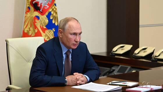 Путин дал поручение по изменению смен в школах