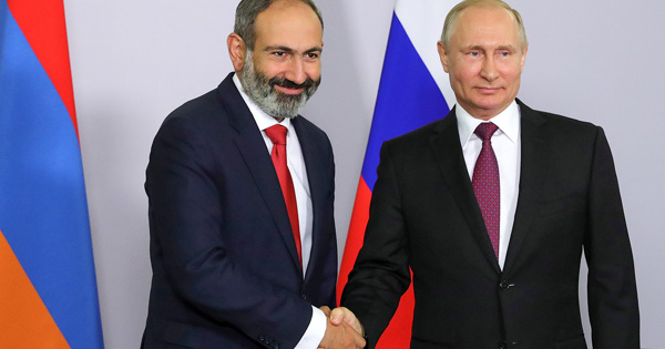 Путин иПашинян обсудили поставки российской вакцины отCOVID-19вАрмению