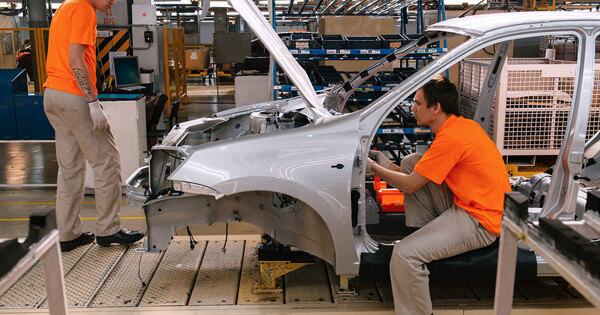 АвтоВАЗ возобновил сборку автомобилей Renault