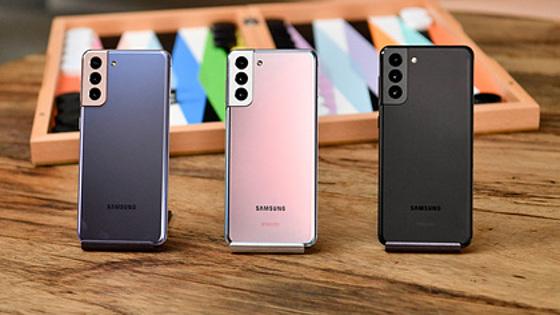 Samsung вслед за Apple отказалась от зарядника для смартфонов
