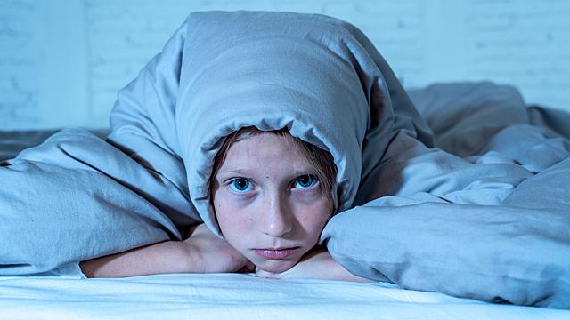 Какие вещи в спальне не дают нам выспаться