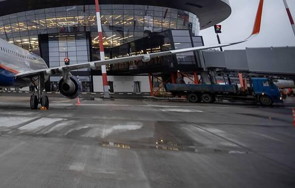 Boeing 737 едва не врезался во взлетную полосу Шереметьево