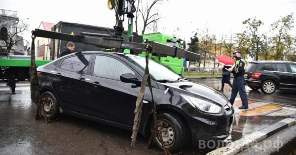 Свыше 1,5 тысячи машин увезли на штрафстоянки за нарушения правил парковки в Вологде