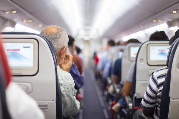 Cтюардесса назвала самые наглые просьбы пассажиров — Рамблер/путешествия
