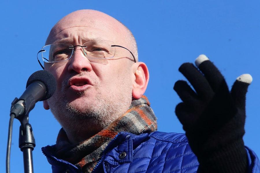 Арестованный петербургский депутат Резник прекратил избирательную кампанию