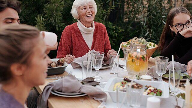 Лучшие бабушки по знаку зодиака