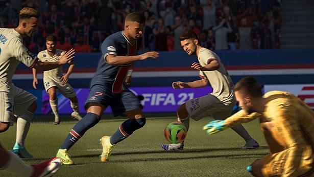 FIFA 21 сохранила первое место по недельным продажам в Великобритании