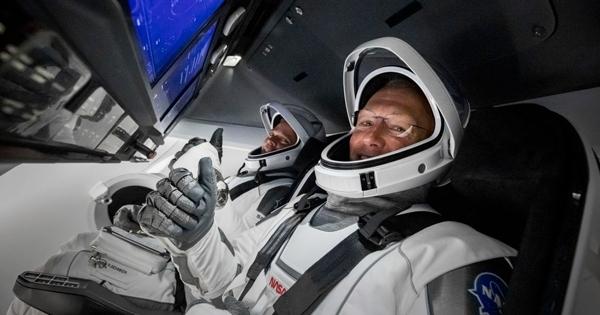 Корабль Crew Dragon счетырьмя астронавтами вернулся наЗемлю
